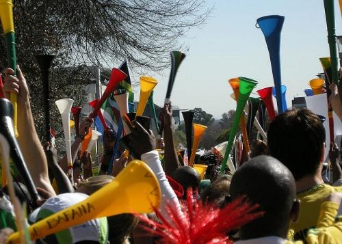 800px-Vuvuzelas_Colors